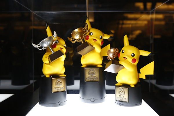 2016_Pokemon_World_Championships_Trophies