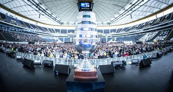esl_one_frankfurt_2014_trophy